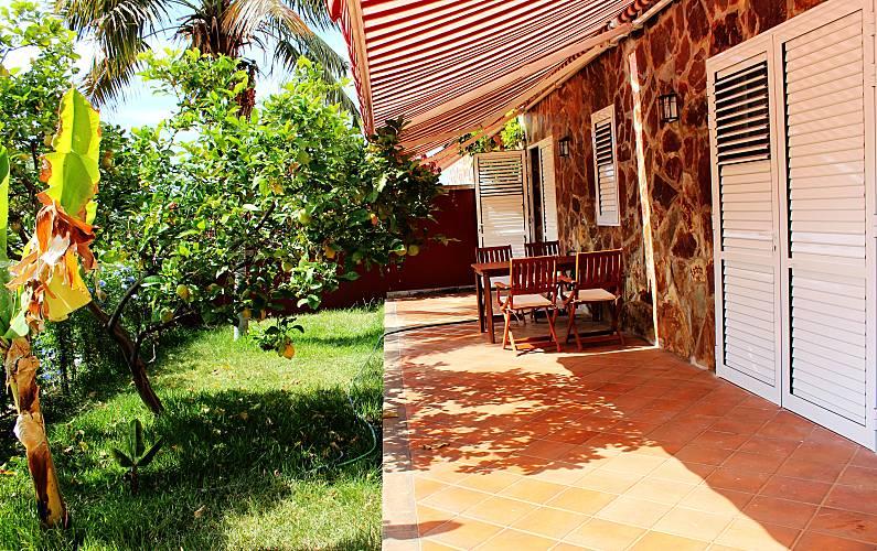 Appartamento Con Ampio Terrazzo E Giardino Las Arenas