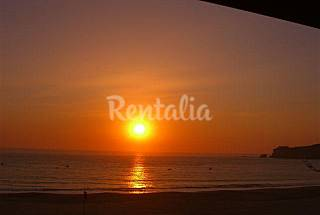 Apartment for 4 people on the beach front line Leiria