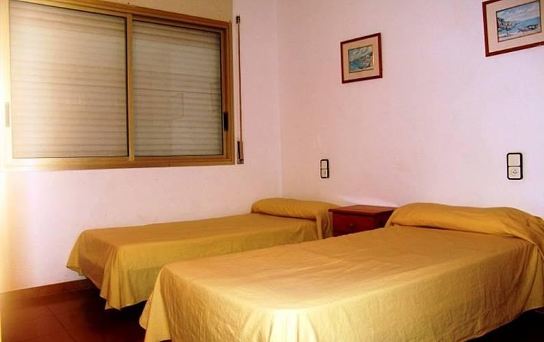 Apartamento para 4 personas en lli de vall salou - Casas en llica de vall ...