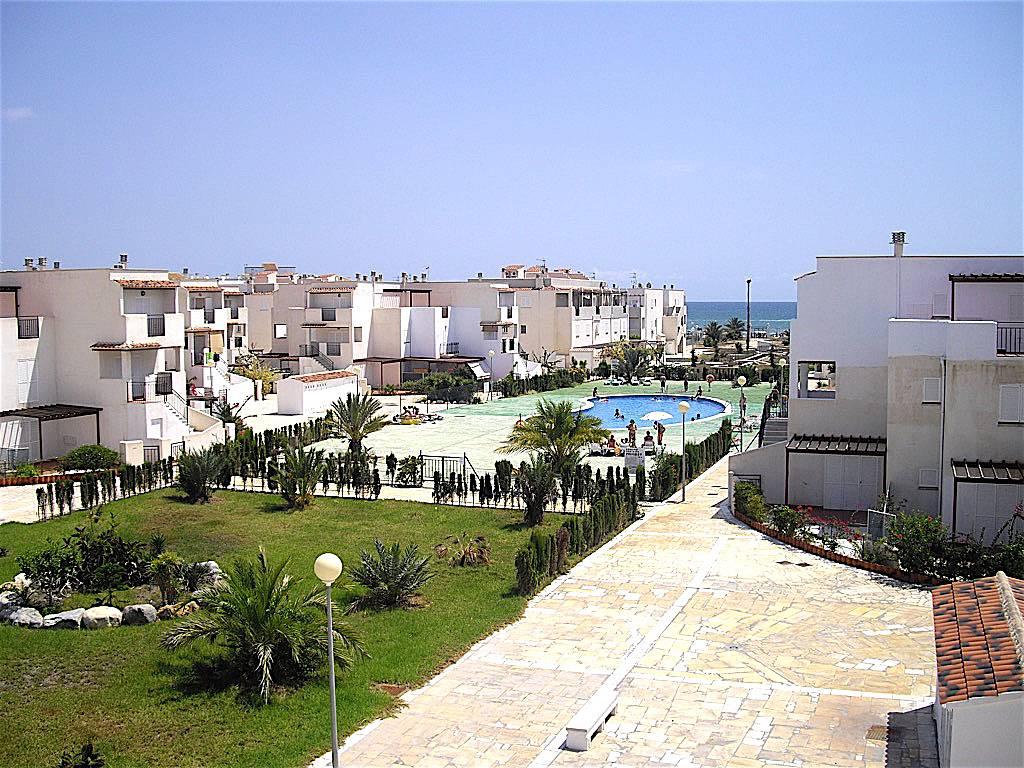 Apartamento en alquiler vera 1a l nea playa vera for Apartamentos en vera almeria