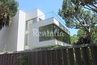 Villa for rent only 50 meters from the beach Barcelona