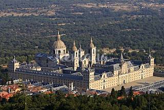 A 200mts from Escorial Monastery & Golf Course. Madrid