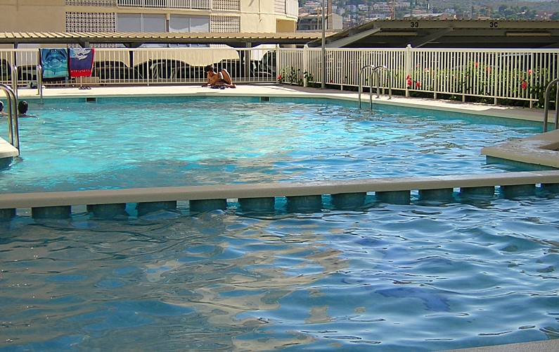 Apartamentos sorolla 100 m playa y piscina pe scola for Piscinas castellon