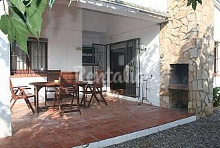 Casa de 3 habitaciones a 1.9 km de la playa Girona/Gerona