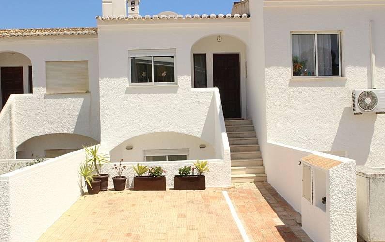 CASA GEMINADA T2 NA LUZ COM VISTA MAR Algarve-Faro - Exterior da casa