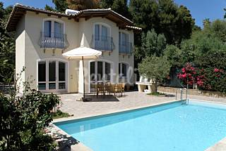 Detached villa with pool 300 m away from the beach Cagliari