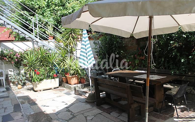 Apartamento para 2-5 personas a 4 km de la playa La Spezia
