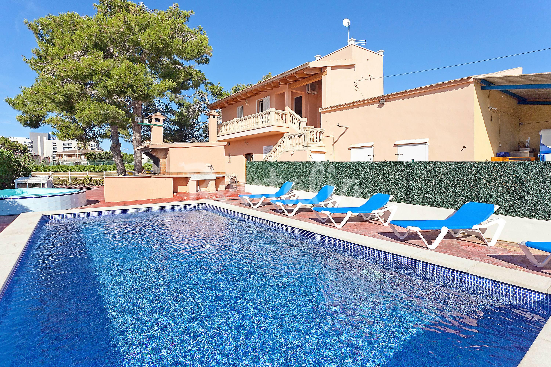 Casa para hasta 12 pers con piscina en s 39 arenal s - Piscinas palma de mallorca ...