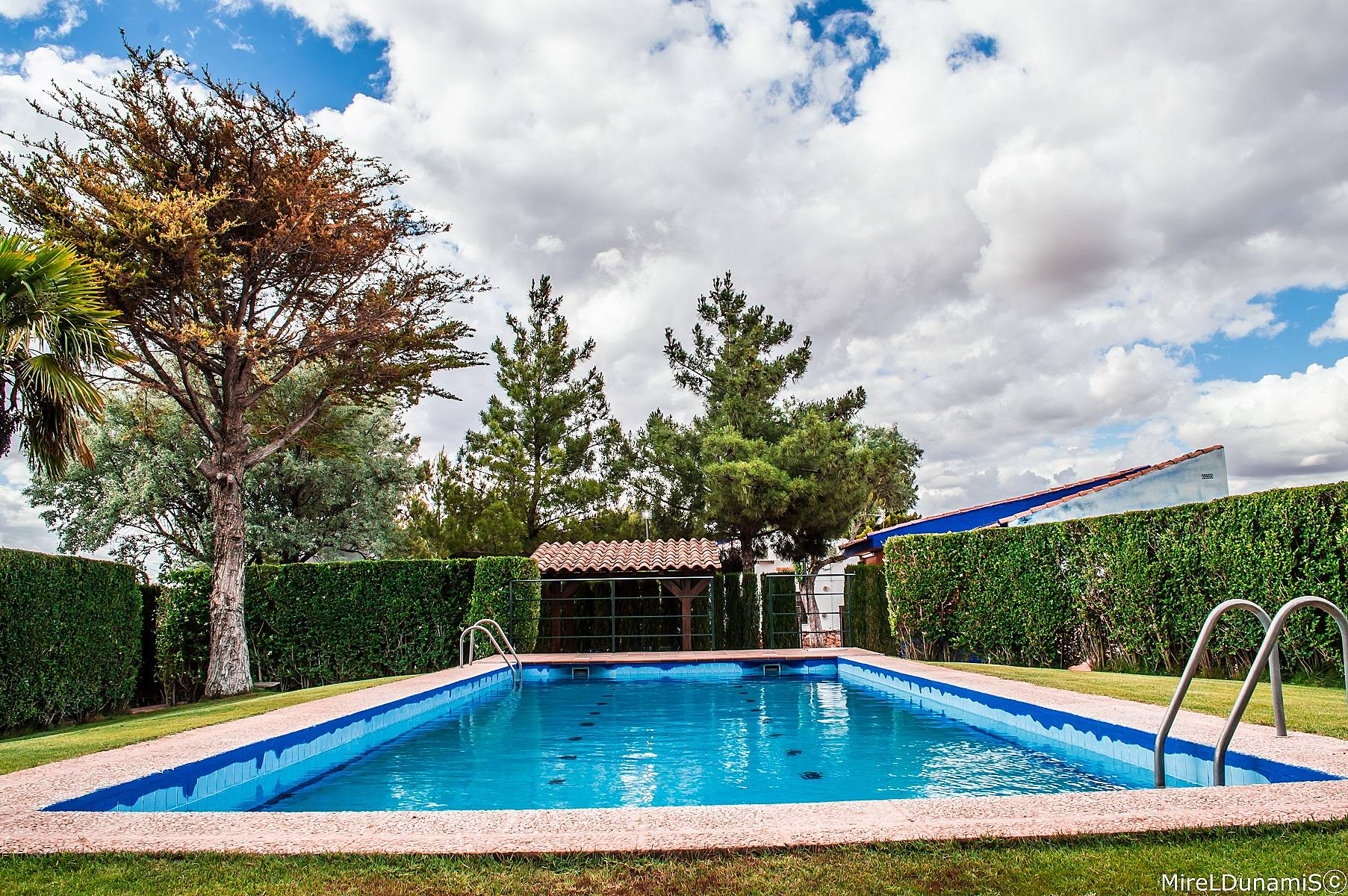 Villa de 3 habitaciones con piscina quintanar de la for Habitaciones con piscina dentro