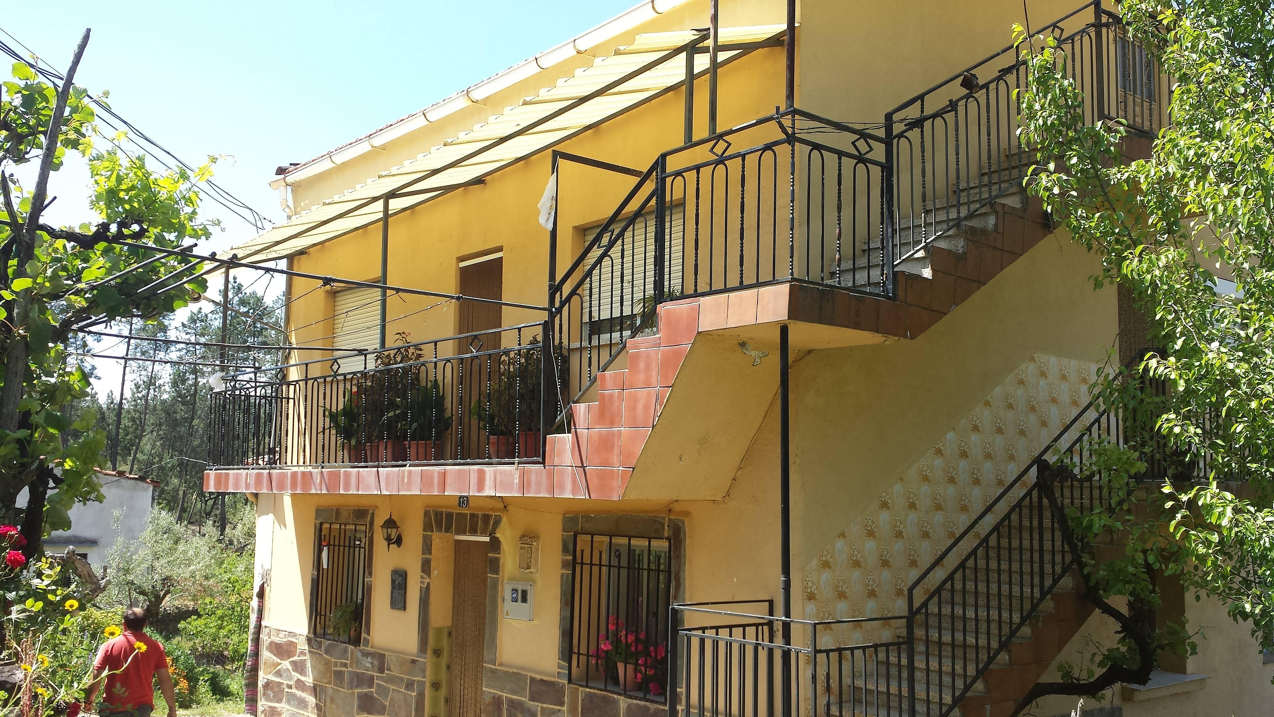 Casa Para 7 Personas En Las Hurde Robledo De Pino Robledo  # Muebles Caceres Pinofranqueado