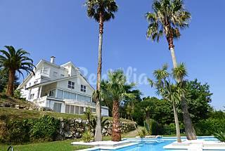 Chalet con piscina privada. Cantabria
