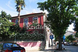 Garden apartment in historic center Porto
