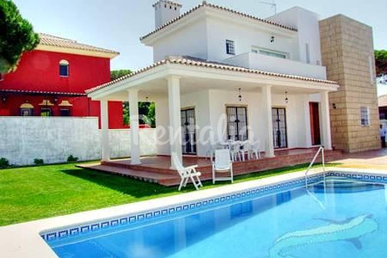 Casa para 6 8 personas a 50 m de la playa la barrosa for Apartamentos con piscina en alcoceber