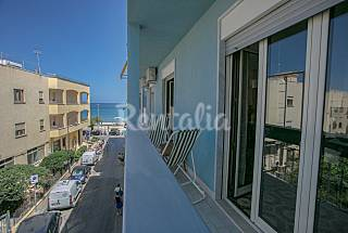 Apartment for 6 people only 50 meters from the beach Palermo