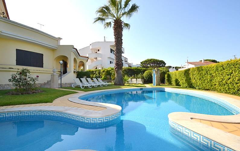 Unique villa Vilamoura Marina WIFI + Private pool Algarve-Faro -