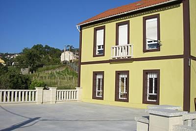 Casa con jardín y vistas de lujo de 5 habitaciones a 300 m de la playa Pontevedra