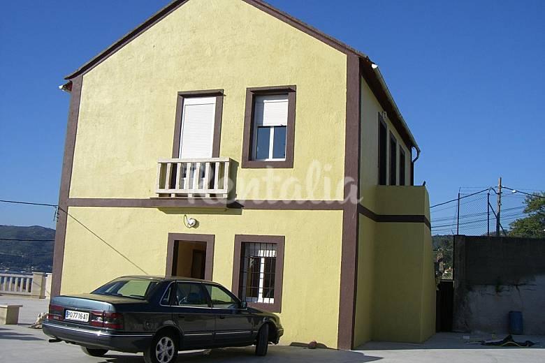 Casa con jard n y vistas de lujo de 5 habitaciones a 300 m for Casa planta vigo