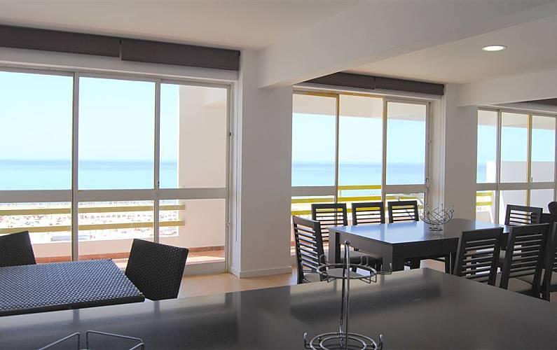 1 Slaapkamer Appartement : Appartement met slaapkamer op meter van het strand monte