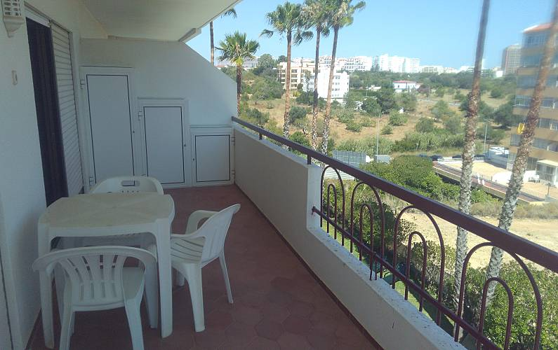 Apartment for 2-4 people only 300 meters from the beach Algarve-Faro - Terrace