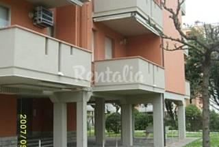 Apartamento para 4-6 personas en 1a línea de playa Rávena