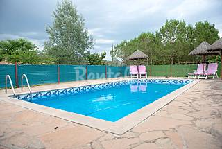 Apartment for 2-6 people with swimming pool Lerida