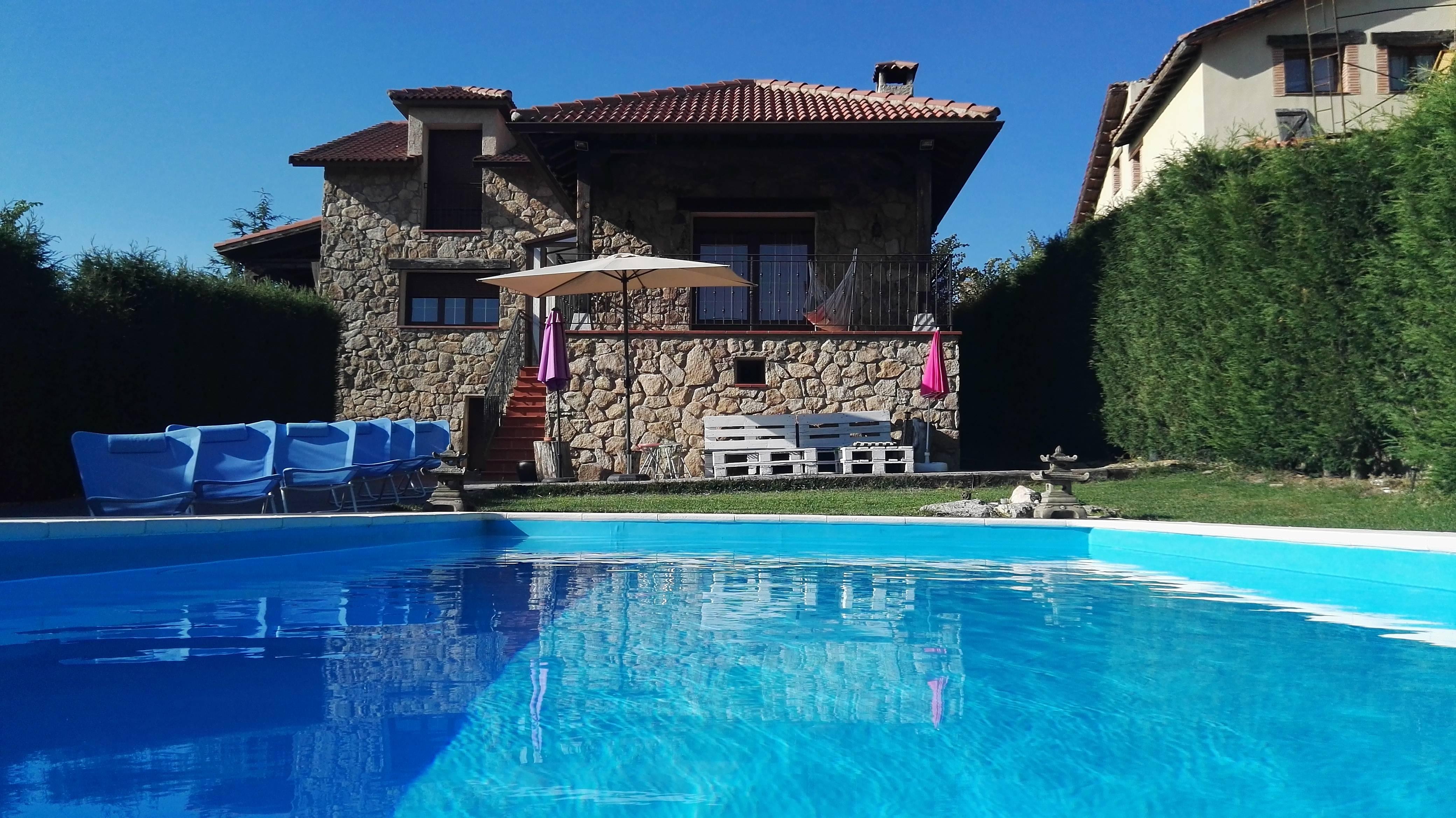 Precioso chalet con piscina en segovia otero de herreros segovia - Piscina climatizada segovia ...