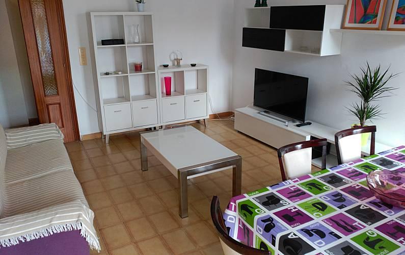 Apartamento para 3 4 personas a 150 m de la playa for Registro bienes muebles castellon
