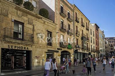 En la Calle Toro, a 40 metros de la Plaza Mayor. Salamanca