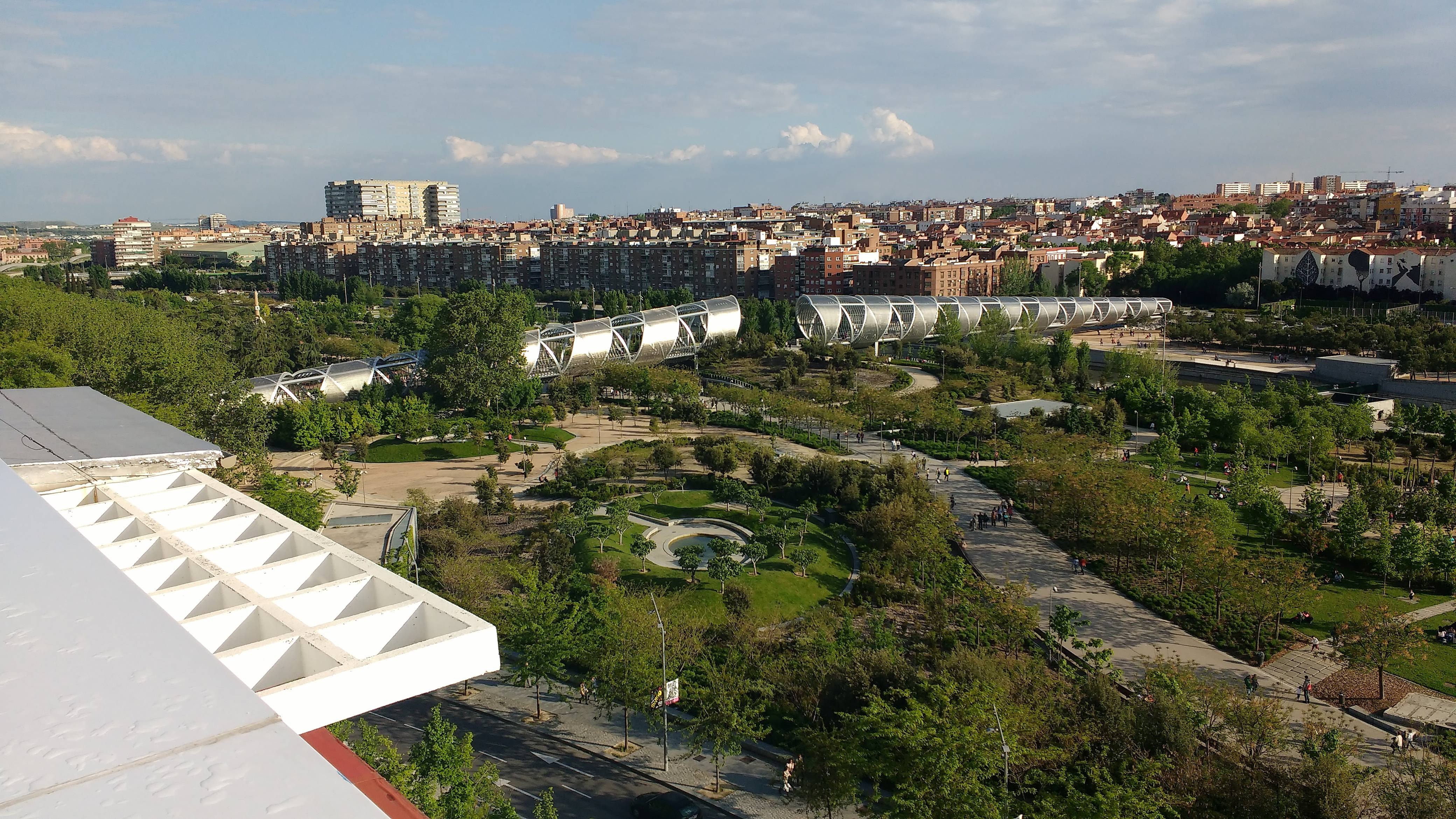 Piso 4 dormitorios frente a madrid rio madrid madrid camino de santiago de madrid - Hotel piramide madrid ...
