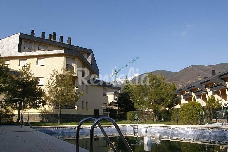 Apartamento de 2 habitaciones con piscina biescas huesca pirineos espa oles - Hoteles en huesca con piscina ...