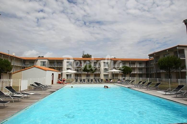 villa for rent in l 39 houmeau l 39 houmeau charente maritime. Black Bedroom Furniture Sets. Home Design Ideas