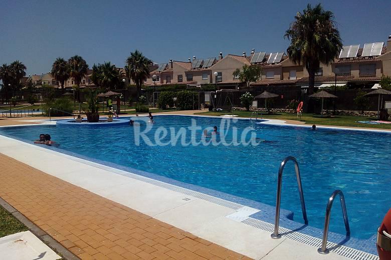 Jerez golf y playa en familia jerez de la frontera for Casas con piscina jerez de la frontera