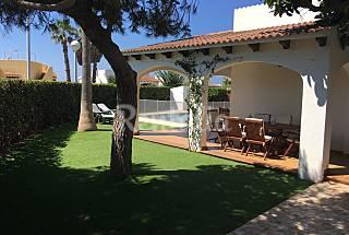 Villa per 8 persone con piscina privata e giardino Minorca