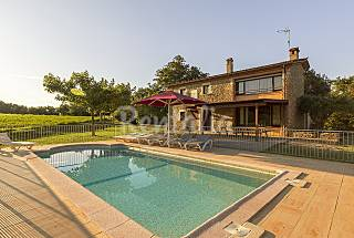 House with private garden and swimming pool Girona