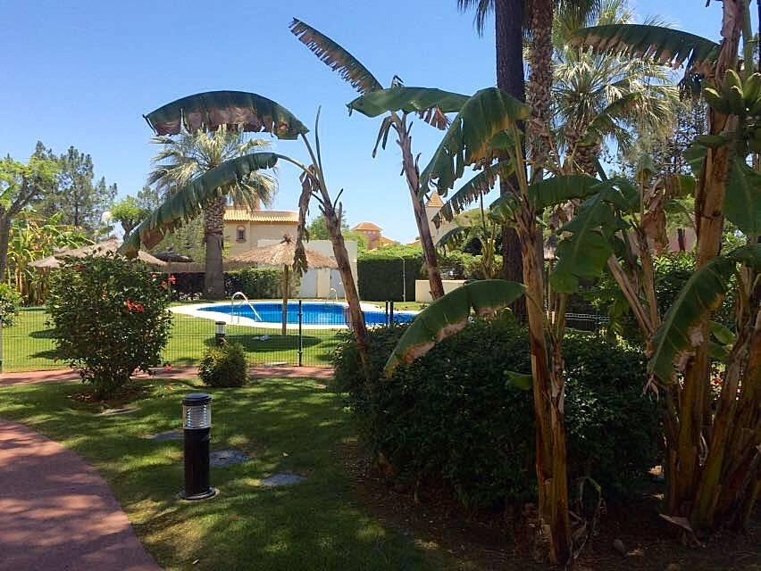 Casa para 6 personas a 400 m de la playa islantilla i - Rentalia islantilla ...