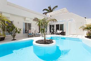 2 LuxVillas for 6 people only 1500 mts from the beach Fuerteventura