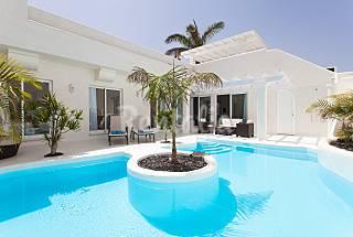 2 Villas de lujo para 6 personas a 1500 m de la playa Fuerteventura
