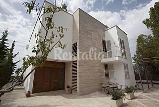Moderna y lujosa villa con piscina para 10+2 Mallorca
