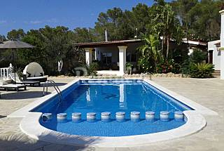 Totally equipped house 2 km from the beach Ibiza