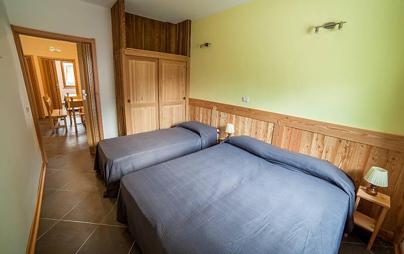 Appartamento con 6 camere da letto e 4 bagni antey saint for Branson cabin rentals 4 camere da letto