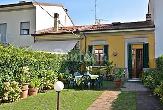 Villino a 300 metri dalla spiaggia. Lucca