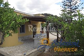 Villa in Focallo to 50 meters from the beach Ragusa
