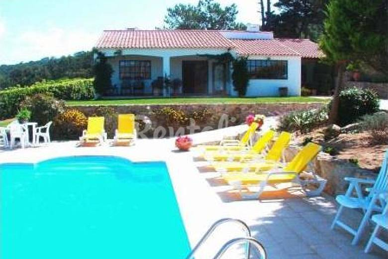Casa jard n piscina caliente 2 km de la plage colares for Casas con jardin y piscina