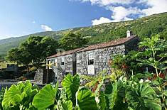 Apartment for 4 people in Santo Amaro Pico Island
