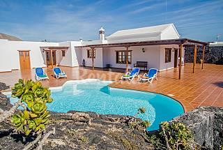 heated pool, full wifi privatized Lanzarote