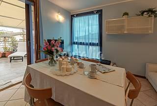 Lumineux appartement avec terrasse sur Port Canal Ravenne