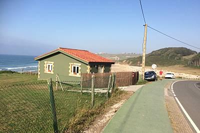 Casa para 2-3 personas en 1a línea de playa Cantabria
