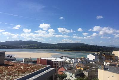 Apartamento para 7-9 personas a 200 m de la playa Lugo