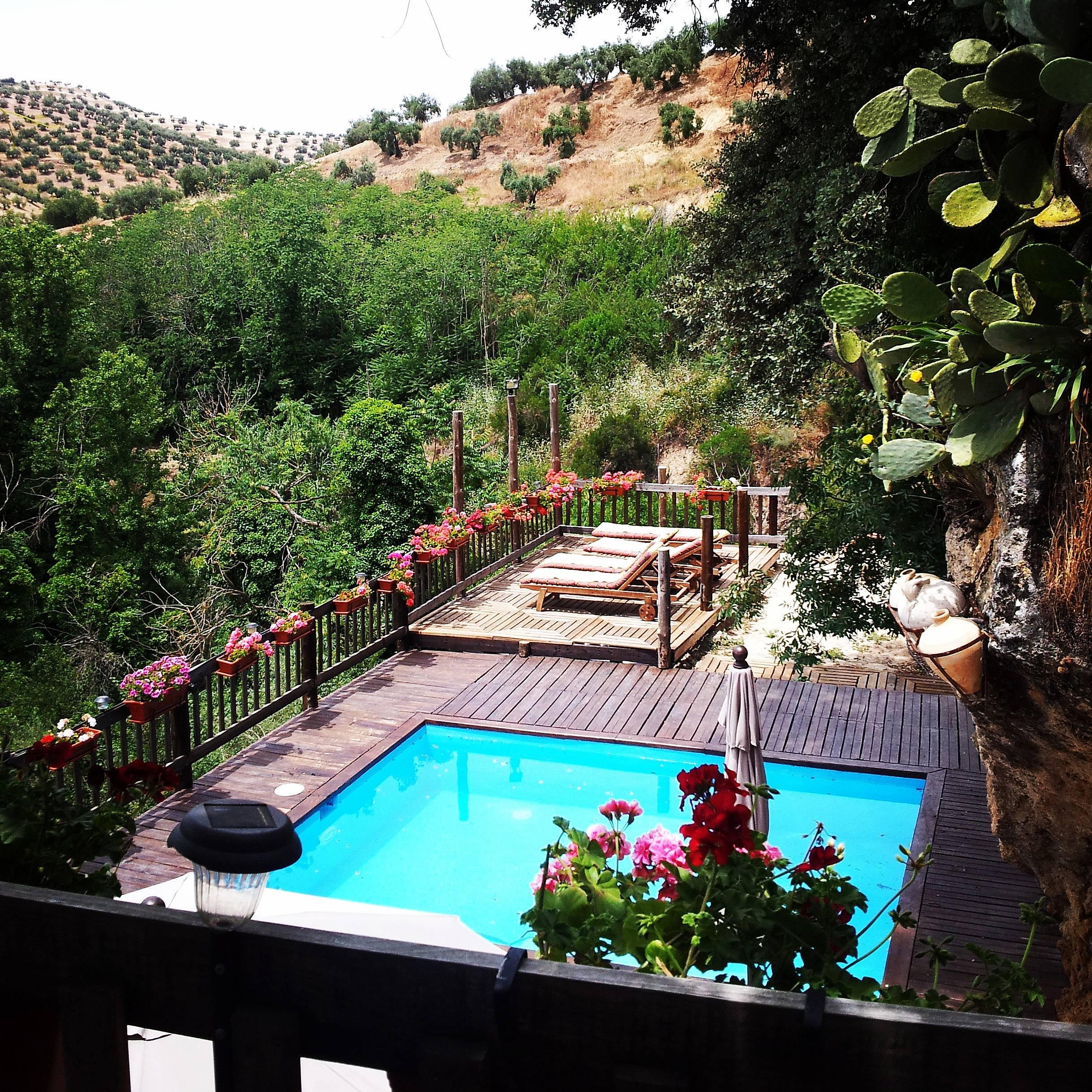 Casa con 3 stanze con piscina algarinejo granada for Piscina mondragones granada