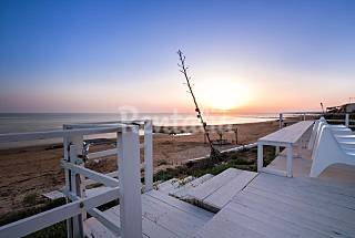 Calipso, villa directly on the sandy beach Ragusa